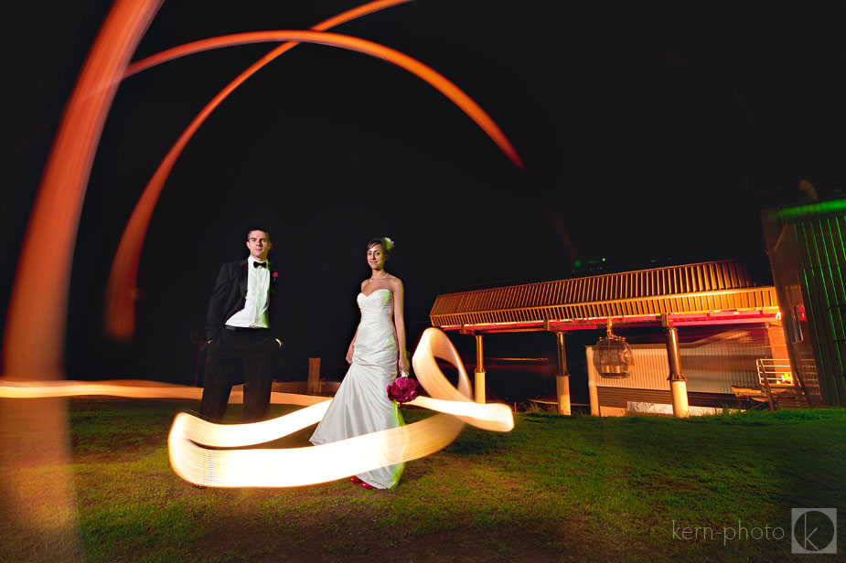 wpid-lightpainting_bride_groom_2-2010-08-10-21-441.jpg