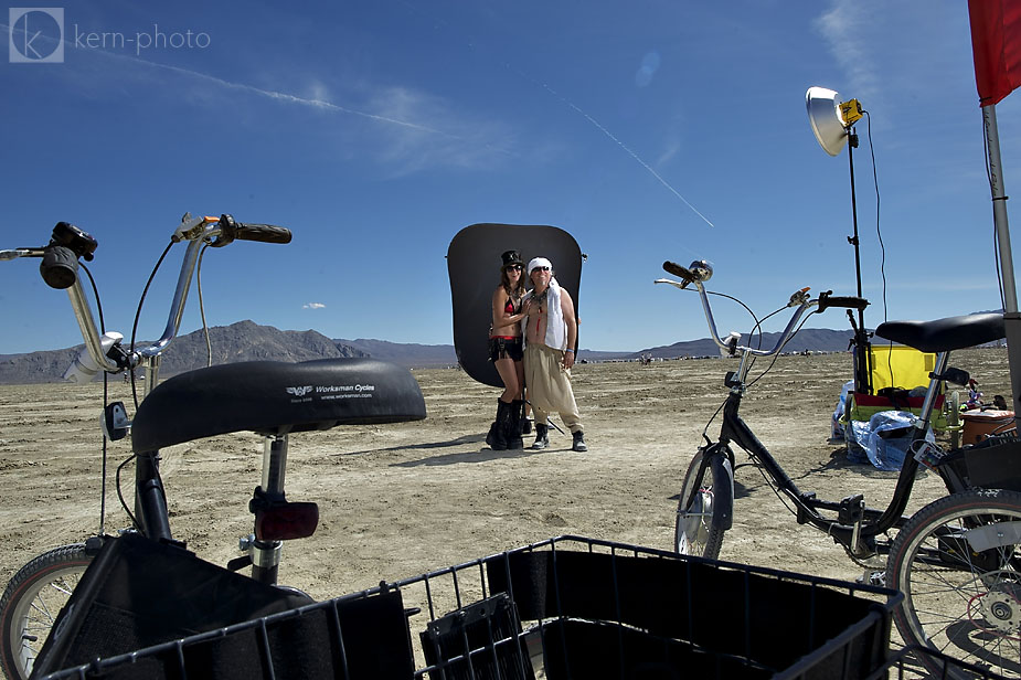 wpid-burning_man_2010_metropolis_couples_in_love_10-2010-09-19-16-52.jpg