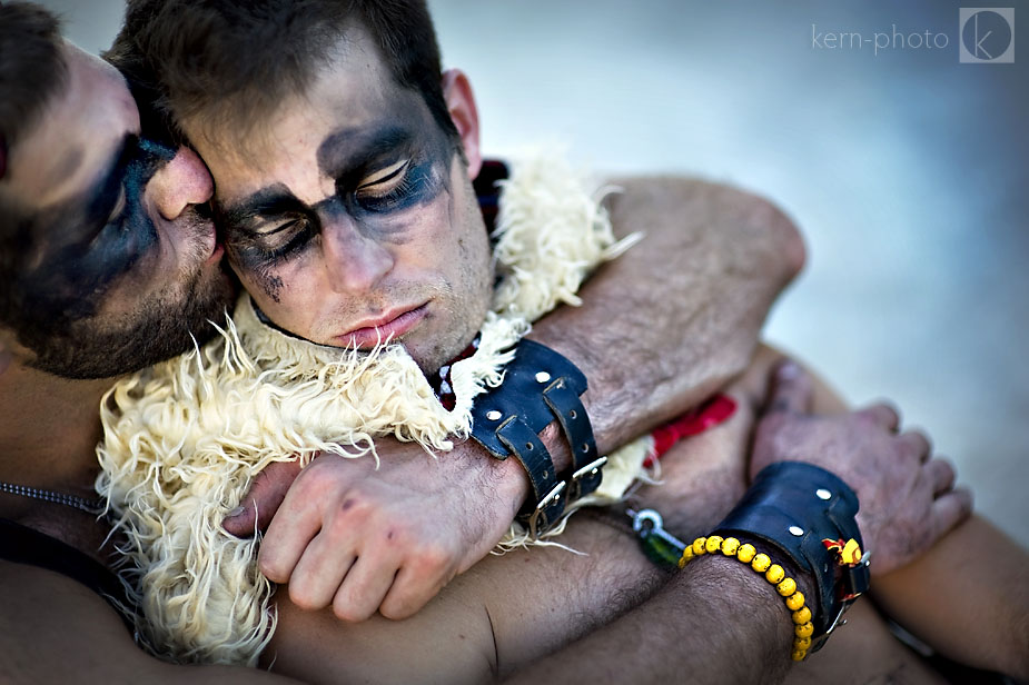 wpid-burning_man_2010_metropolis_couples_in_love_37-2010-09-19-16-52.jpg