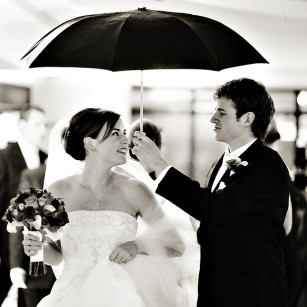 wpid-wedding-photos-bad-weather-umbrella-rain-snow-05-2013-04-10-15-35.JPG