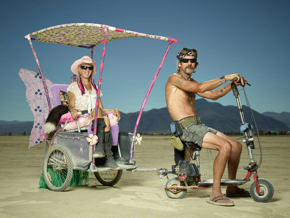 wpid-burning_man_couples_in_love_2014_photos_002-2014-12-16-12-00.jpg