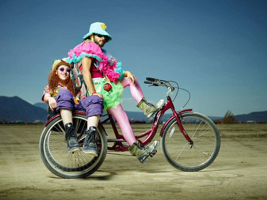 wpid-burning_man_couples_in_love_2014_photos_011-2014-12-16-12-00.jpg