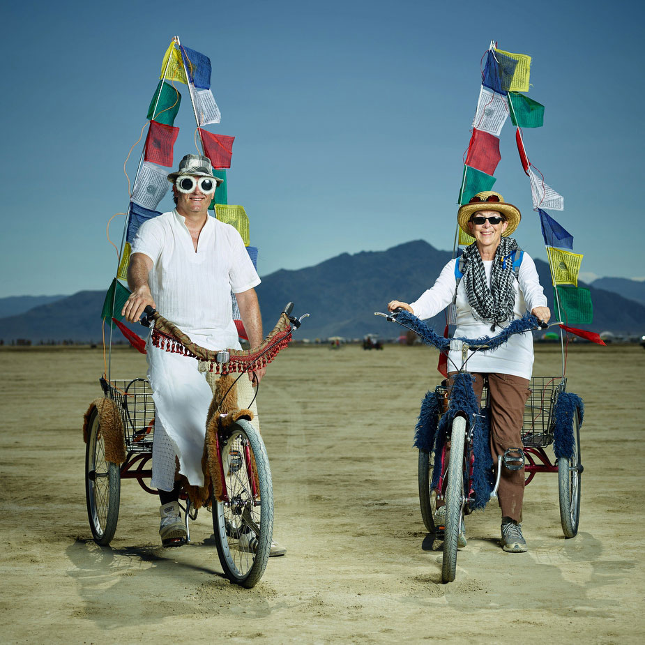 wpid-burning_man_couples_in_love_2014_photos_019-2014-12-16-12-00.jpg