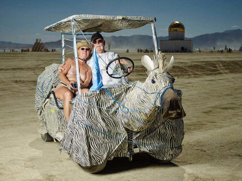 wpid-burning_man_couples_in_love_2014_photos_035-2014-12-16-12-00.jpg