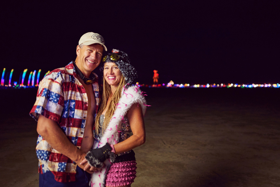 wpid-burning_man_couples_in_love_2014_photos_053-2014-12-16-12-00.jpg