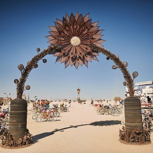 wpid-caravansary_burning_man_art_camps_rj_kern_013-2014-12-14-19-17.JPG
