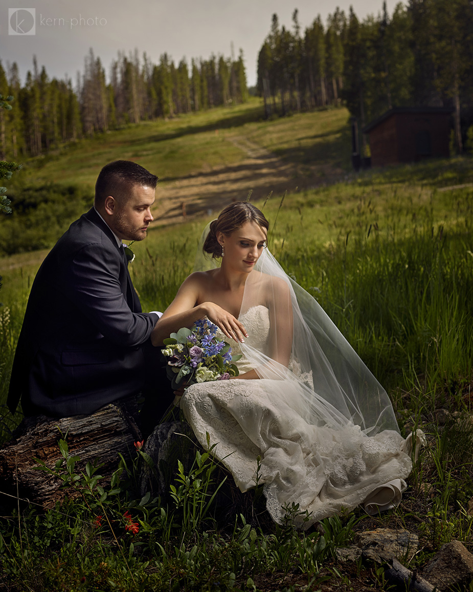 danielle-parker-mile-high-station-wedding-breckenridge-colorado-004-2017-08-9-02-02.jpg